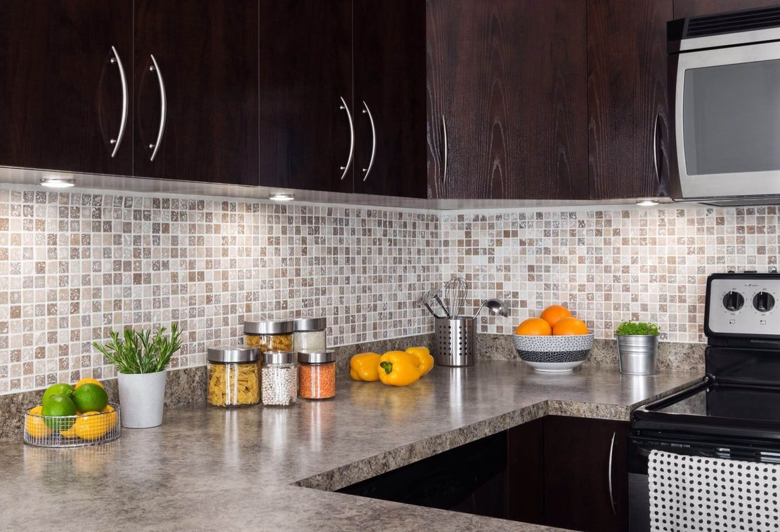 Glass tiles backsplash kitchen